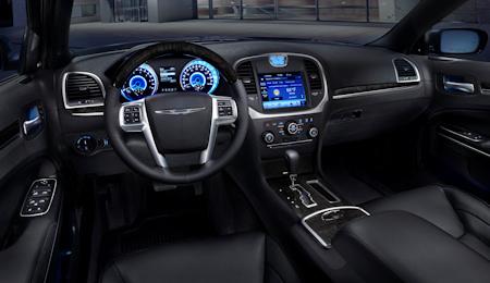 Chrysler 300C 2011 5
