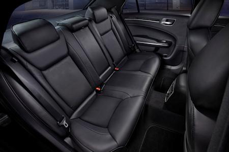 Chrysler 300C 2011 6