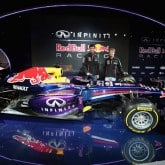 F1 Red Bull Vettel Auto RB9