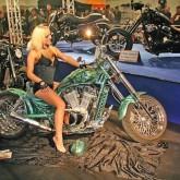 Custom Bike Motorrad Girl Messehostess Bike