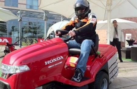 Autodino_Rasentraktor Honda