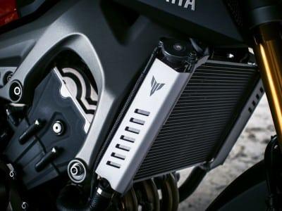 Yamaha MT-09 Zubehör Kühlerverkleidung