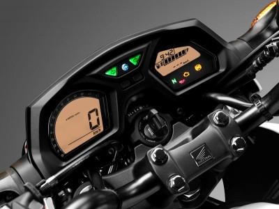 Honda_CB650F_Cockpit_3