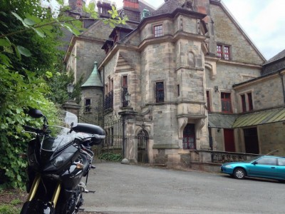 Schloss Ramholz mit Triumph Tiger