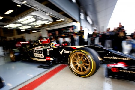 Neue 18 Zoll Pirelli Testreifen auf dem Lotus F1 E22