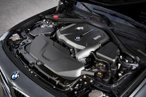 Neuer BMW 330i GT Gran Turismo Motor