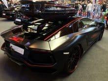 Lamborghini mit Dachbox