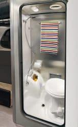 Airstream Wohnwagen Toilette
