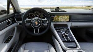 Porsche Panamera Sport Turismo Turbo S E-Hybrid Innenraum