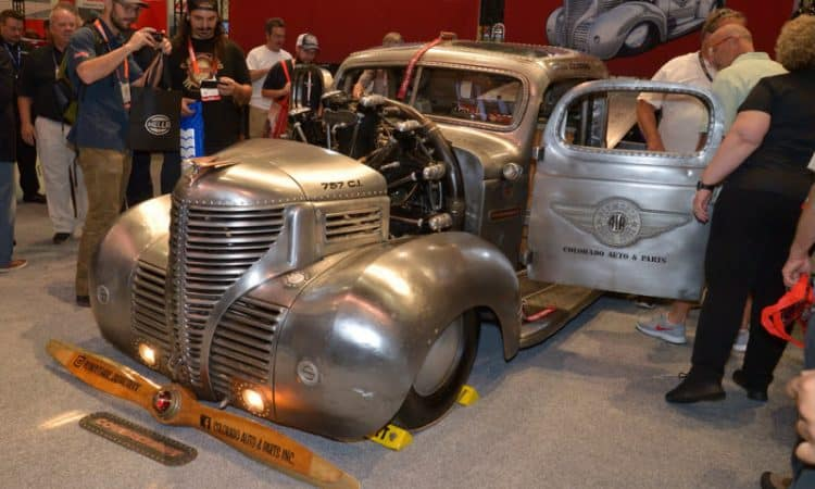 Plymouth Pick-up mit Flugzeugmotor