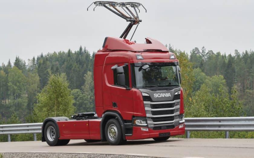Scania R450 Hybrid mit Pantograf