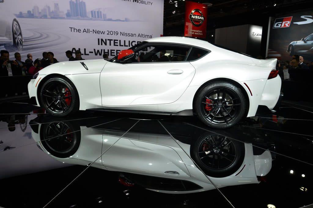 Toyota Supra weiss