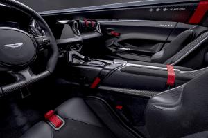Aston Martin V12 Speedster Innenraum