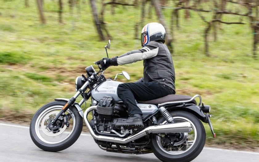 Moto Guzzi V7 Test