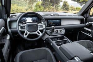 Land Rover Defender P 400e PHEV Innenraum