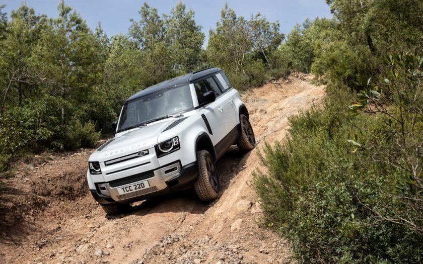 Land Rover Defender P 400e PHEV