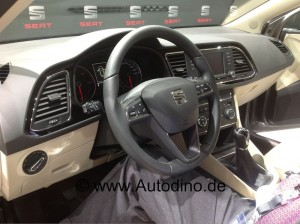 seat-leon-st-5-tuerer_innenraum