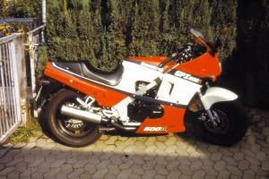 Kawasaki GPZ 600R_2